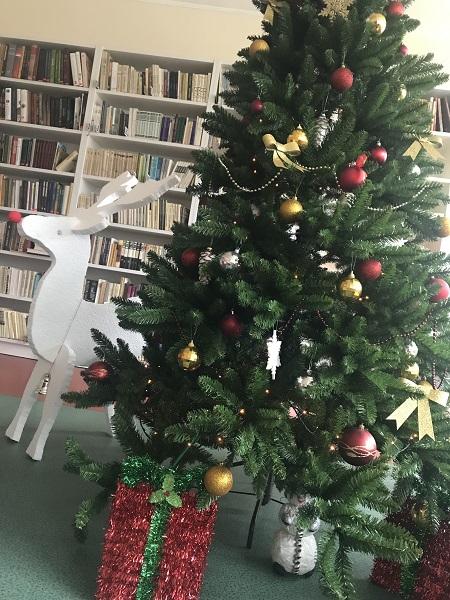 Savo išmoktais Kalėdiniais eilėraštukais nudžiugino 2a klasės mokinukai